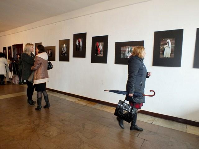 Լուսանկարների ցուցահանդես «Հայուհի» խորագրով